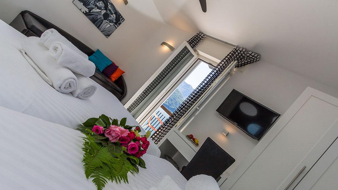 3° Piano Moderno Hotel Riviera Melide Ticino